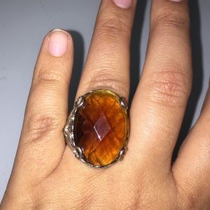 Jewelry - Amber and silver rose